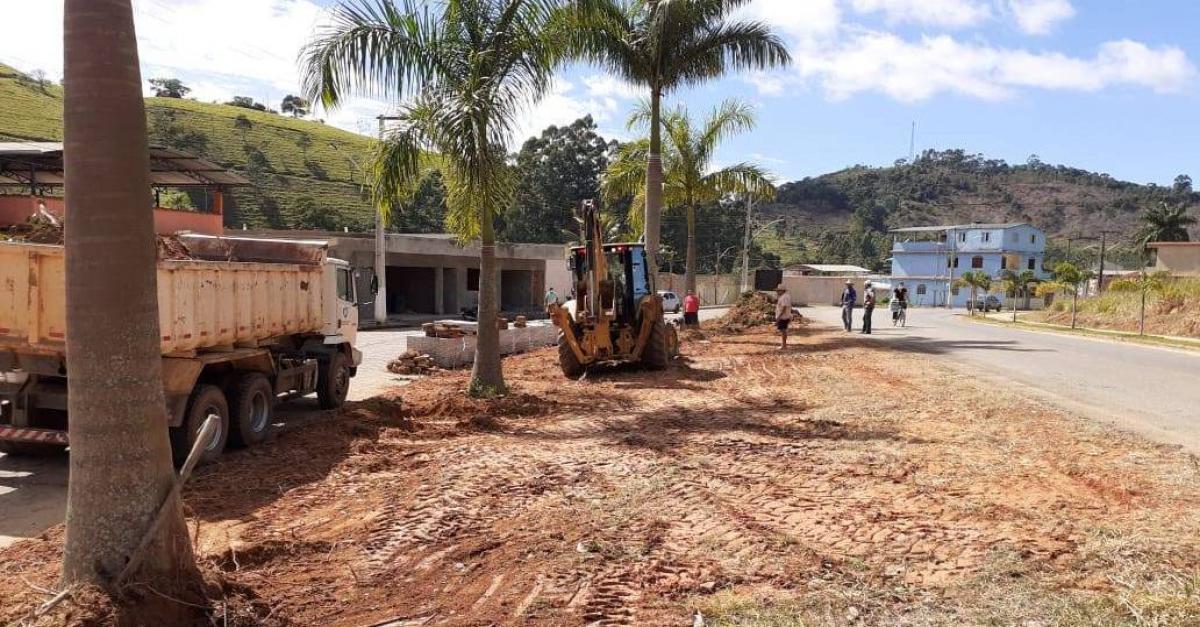 PMSSVA inicia obra de construção de uma pracinha na entrada da cidade